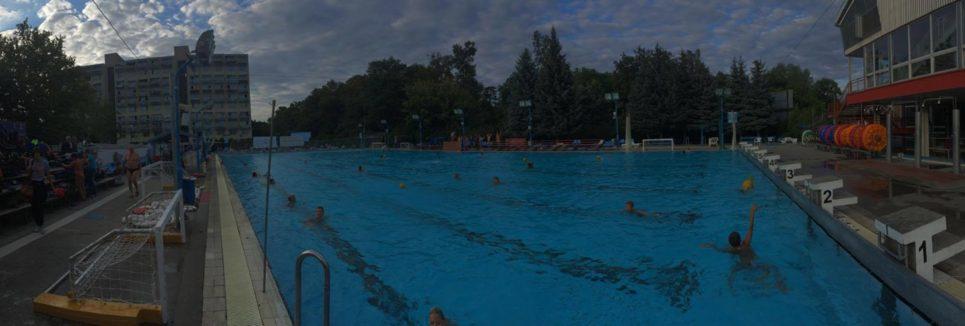 Újra nyitott medencében edzünk!